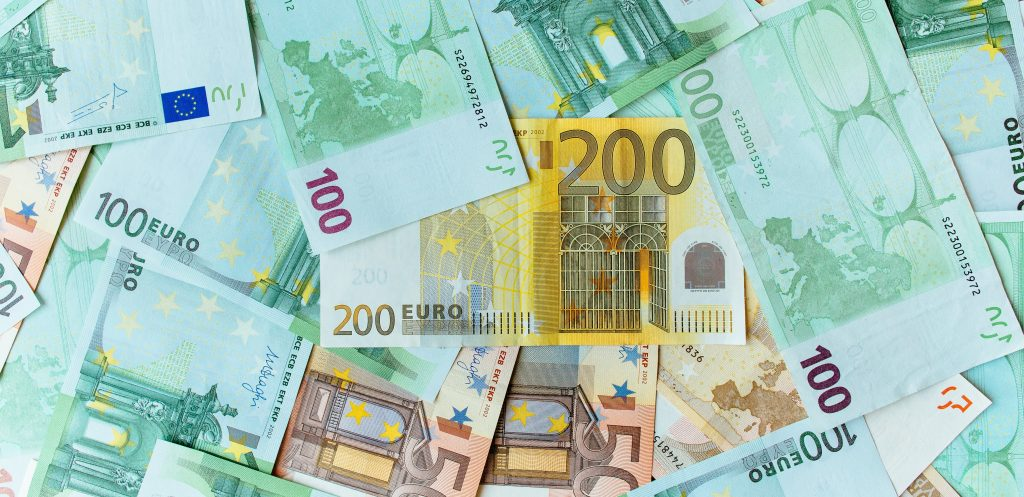 Latvia attracted EUR 1.25 billion on international finance markets